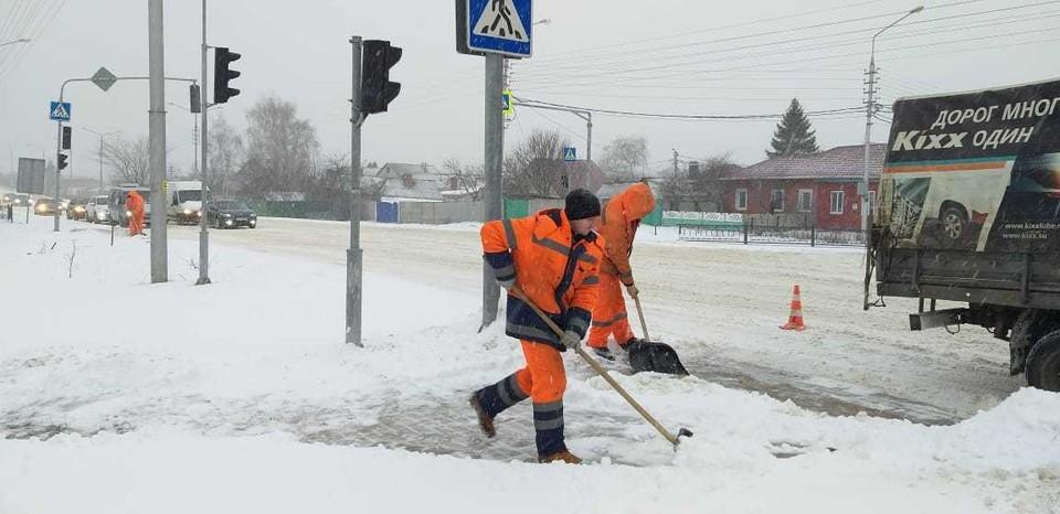 Белгородские коммунальщики делают все возможное, но горожанам не до смеха. Фото со страницы ВКонтакте мэра Белгорода Юрия Галдуна