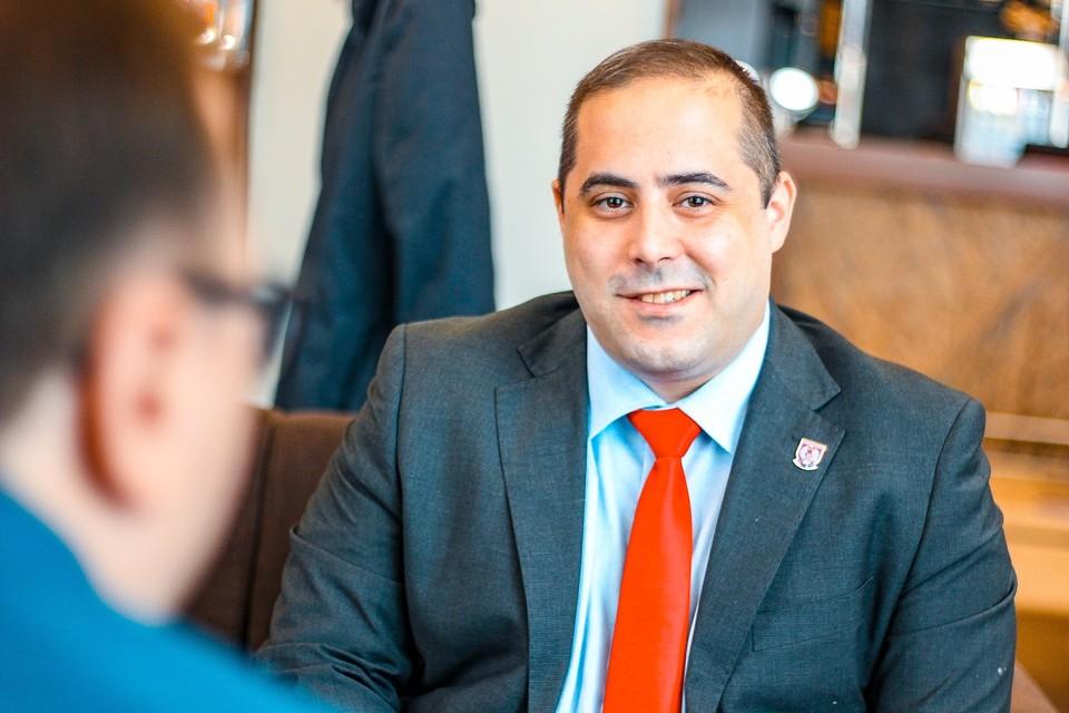 Миша Вацич называет себя оппозиционером, но дружит с сербским президентом.