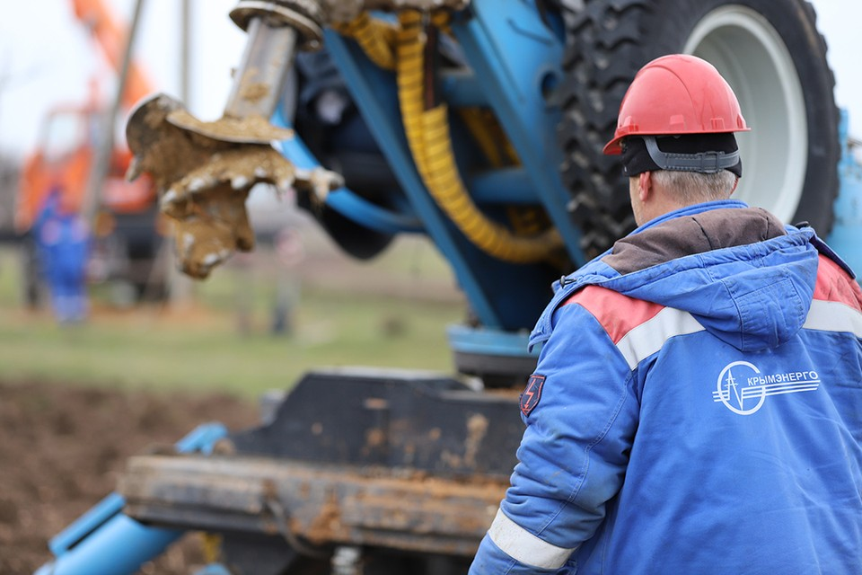 Энергетики подключили к электроснабжению 6 новых скважин по добыче воды. Фото: ГУП РК Крымэнерго