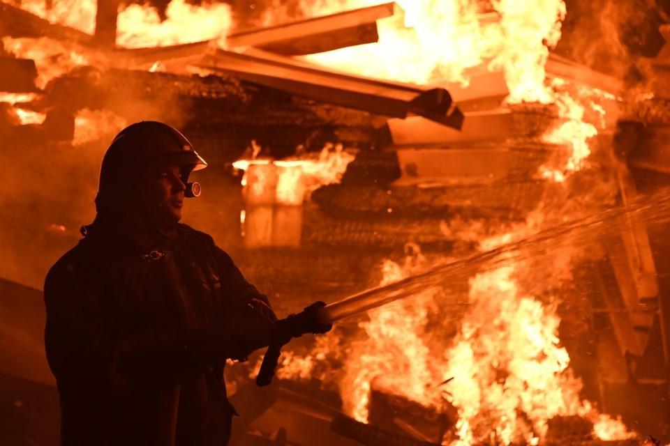 Пожар произошел в одном из деревенских домов.