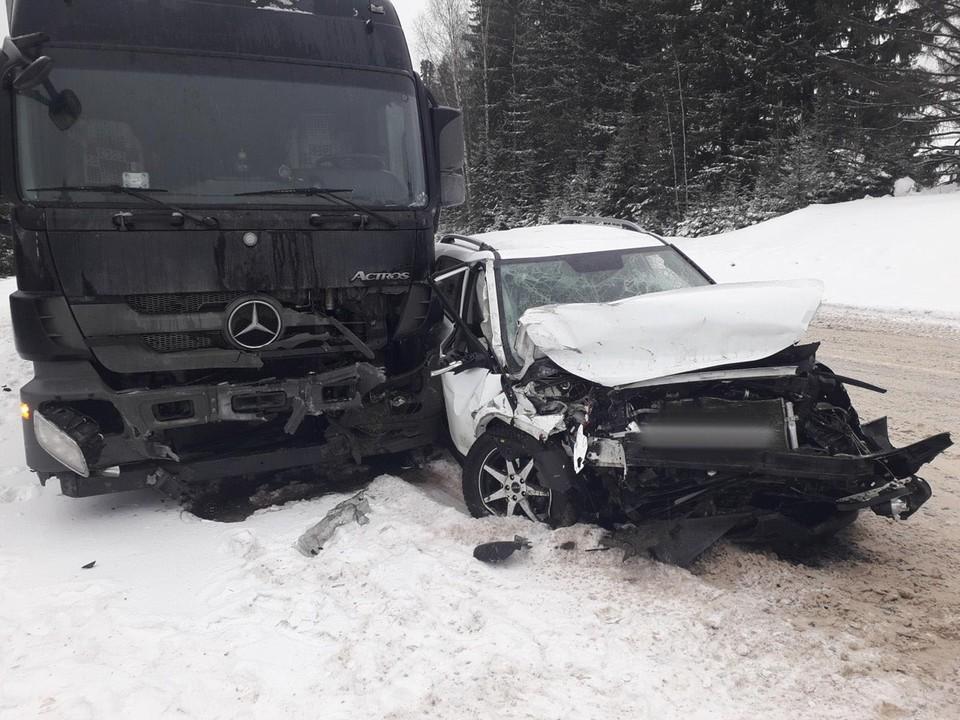 Его транспортное средство также значительно пострадало
