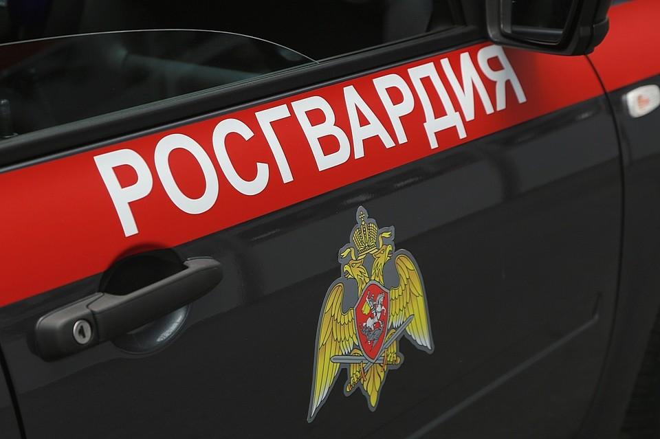 В Красноярске отец забрался через балкон в квартиру, чтобы встретиться с детьми