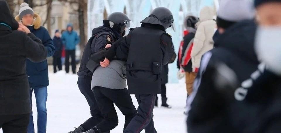 В администрации горда сообщалось, что в протестах участвовало около 250 жителей