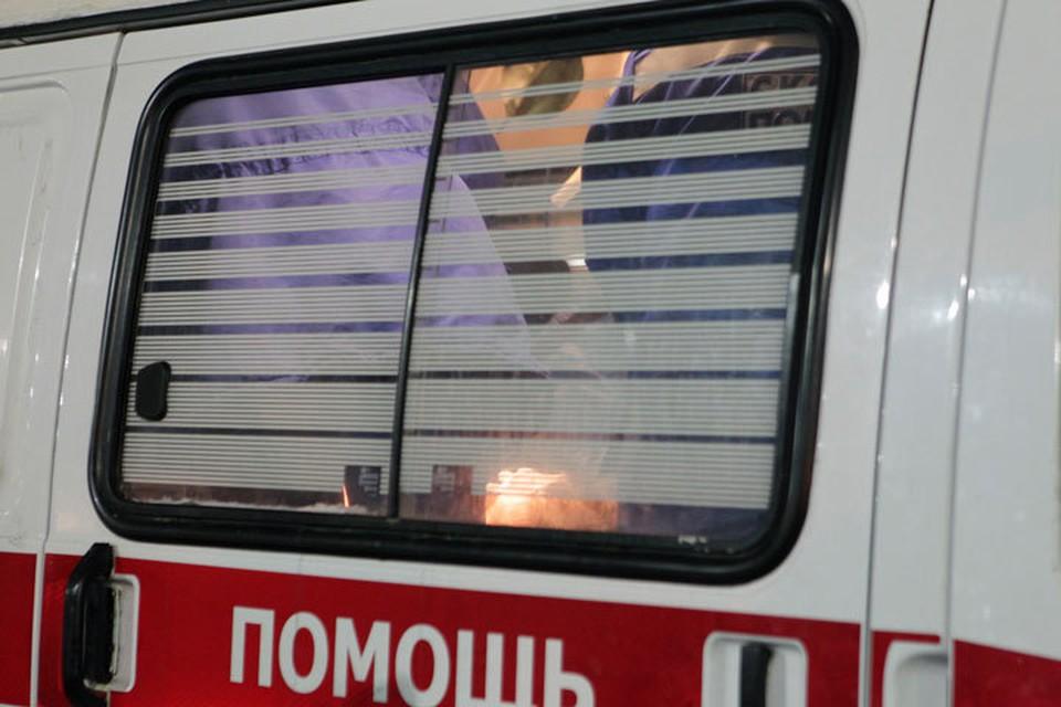 В результате взрыва пострадали двое мужчин.