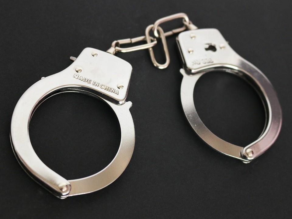 Осужденный за кражу и мошенничество сумел сбежать из алматинского СИЗО