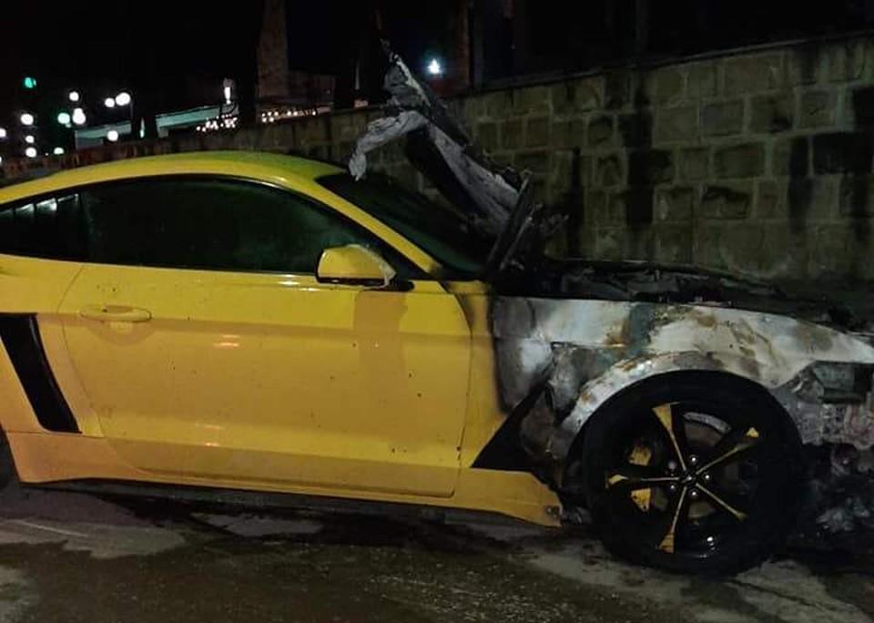 У автомобиля сгорела только передняя часть и половина салона. Фото: соцсети