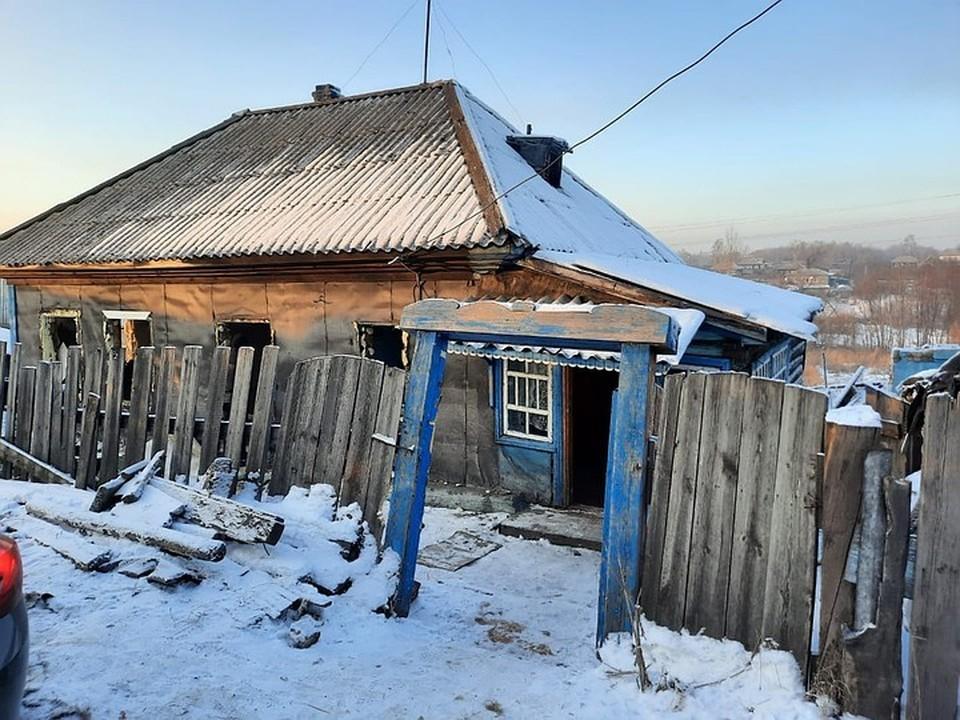 Дом и дачу подозреваемый разбирал два дня. Фото: Пресс-служба ГУ МВД России по Кемеровской области.
