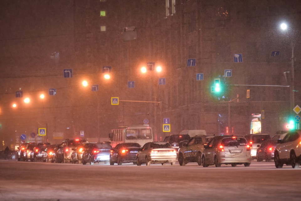 Пробки в Новосибирске 17 февраля 2021 года затронули оба берега.