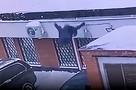 Школьница выпала с 13-го этажа в Москве и осталась жива