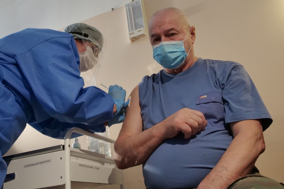 В первую очередь на вакцинацию будут приглашать кировчан из «листа ожидания».