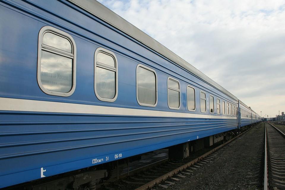 В поезде под Барановичами 58-летний пьяный мужчина пытался задушить помощника машиниста. Фото: rw.by