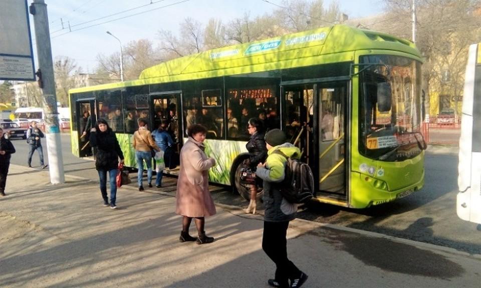 Мальчика прилюдно выгнали из автобуса, и никто не встал на его защиту.