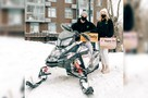 Курьеры гоняют на снегоходах, а спекулянты сдают лопаты в аренду