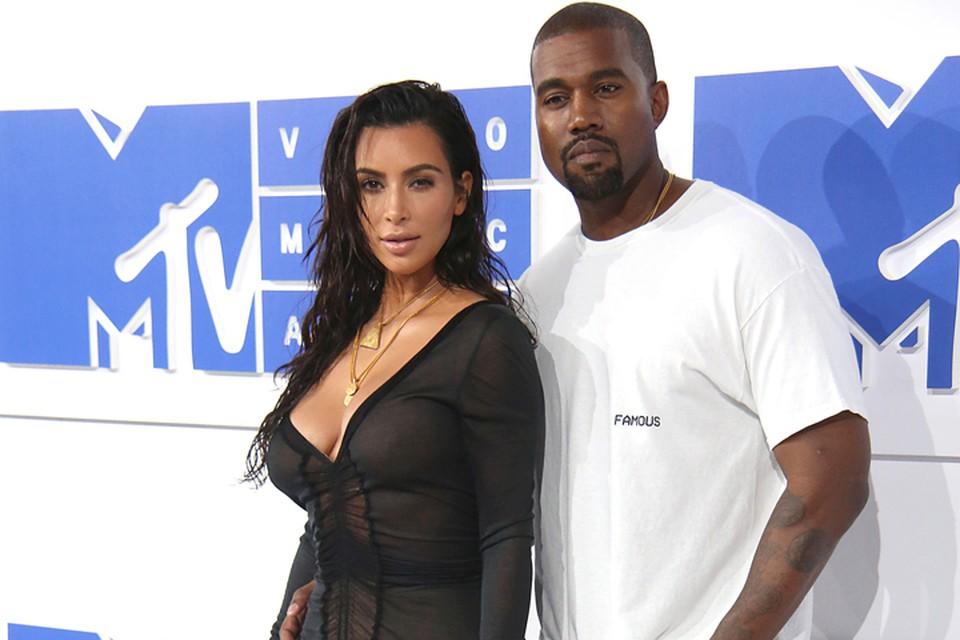 Ким Кардашьян подала на развод с Канье Уэстом.