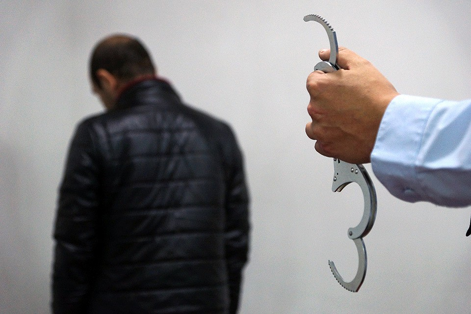 Уголовные дела возбуждены по статьям 105 УК РФ «Убийство», 209 УК РФ «Бандитизм», 222 УК РФ «Незаконный оборот оружия».