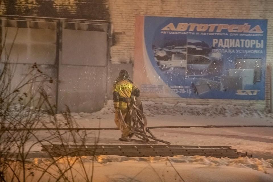 Сотрудник сгоревшего склада, в котором погибли трое пожарных, обжаловал свой арест