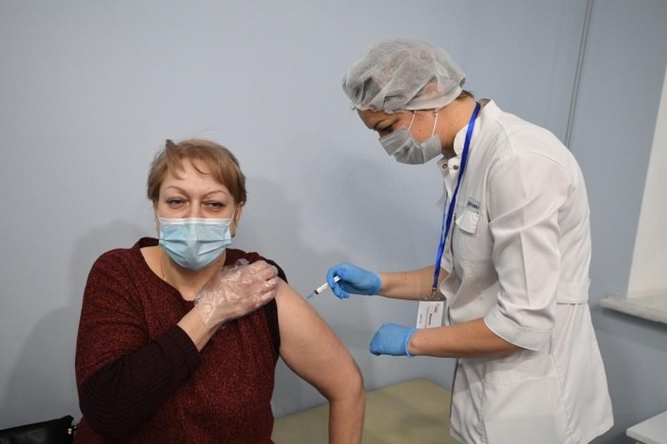 ЛНР успешно завершила первый этап вакцинации от коронавируса