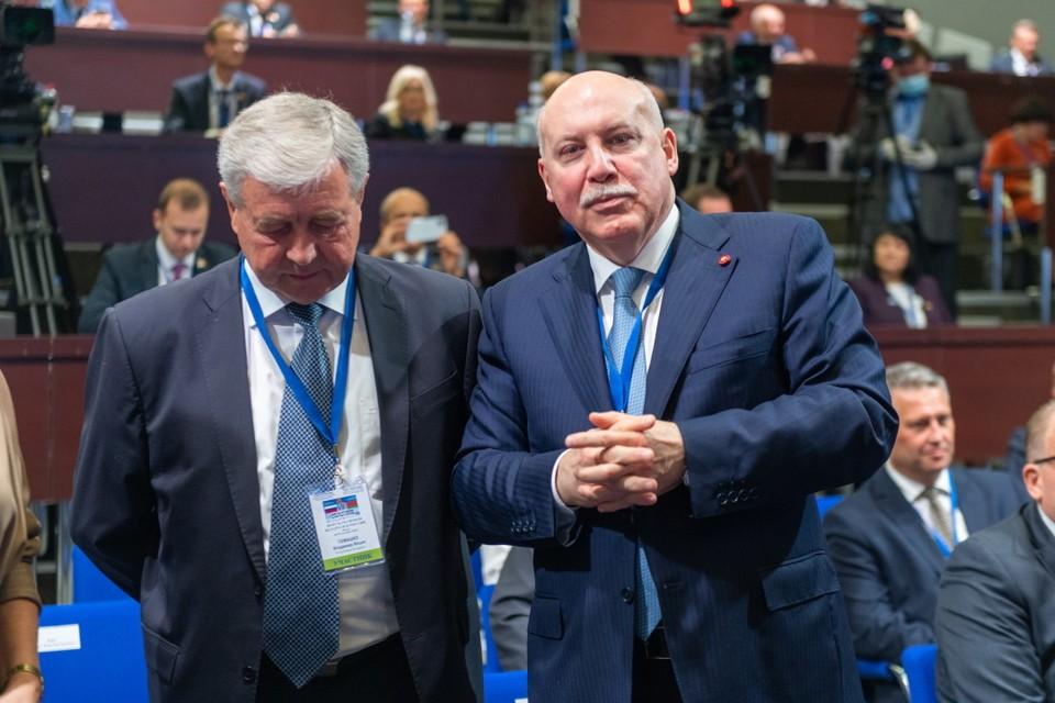 Посол РФ в Белоруссии Дмитрий Мезенцев (справа)