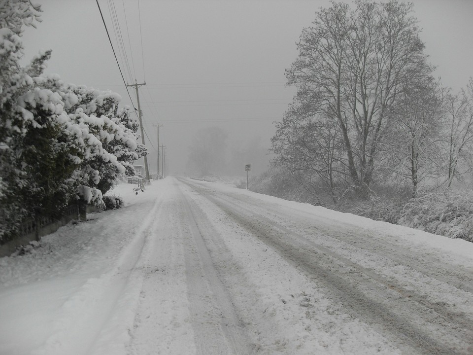Плохая погода стала причиной закрытия трасс сразу в трех областях Казахстан