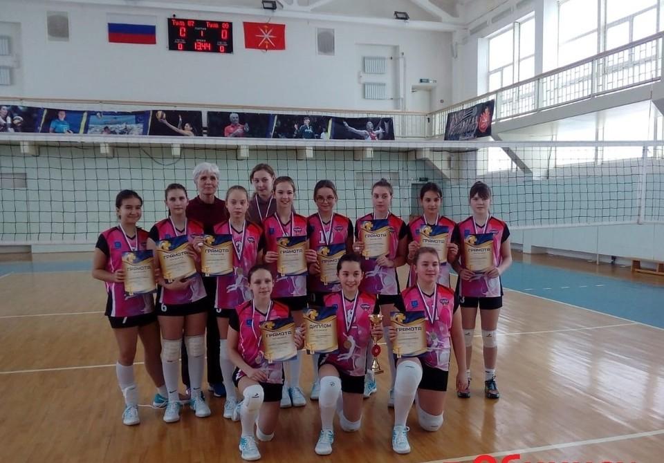 """Обнинские волейболистки выиграли """"серебро"""" в Туле"""