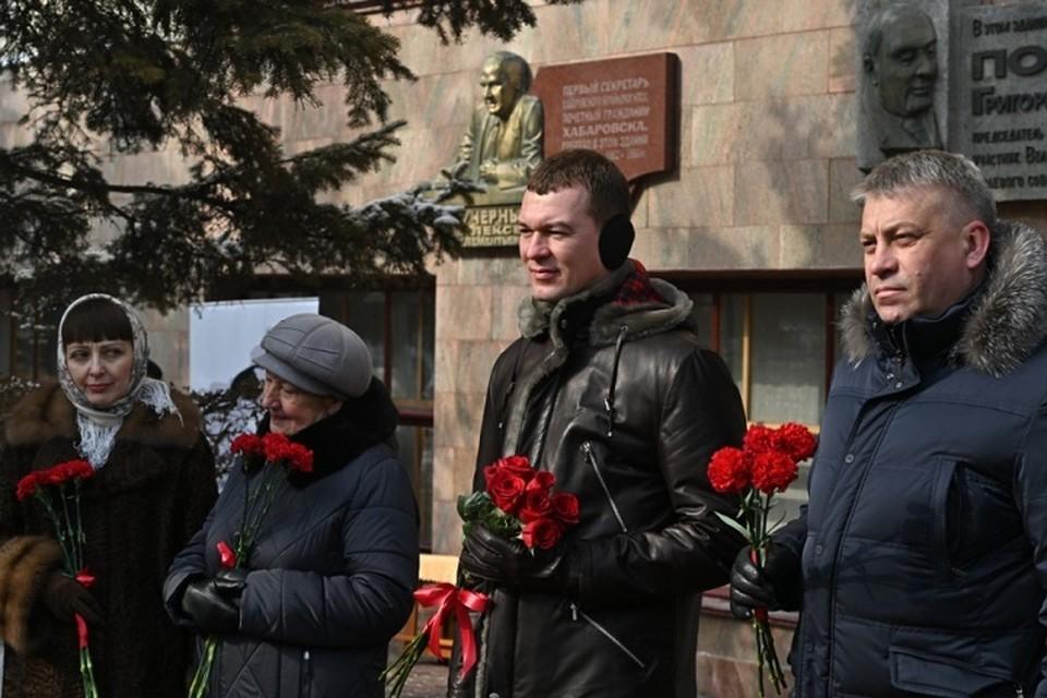Михаил Дегтярев возложил цветы к мемориалу Алексея Черного