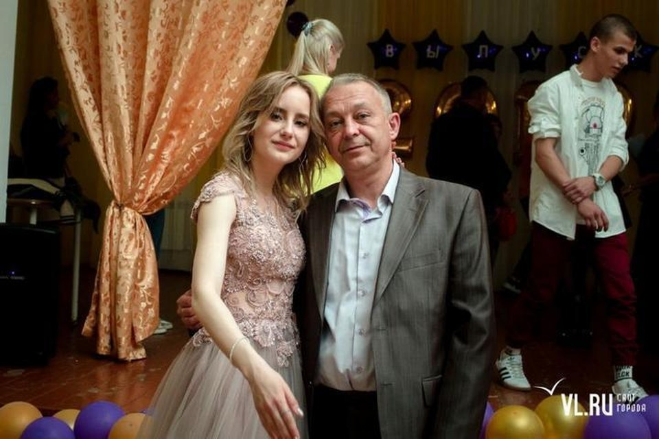 Александр Скорляков с дочерью Марией. Фото: vl.ru