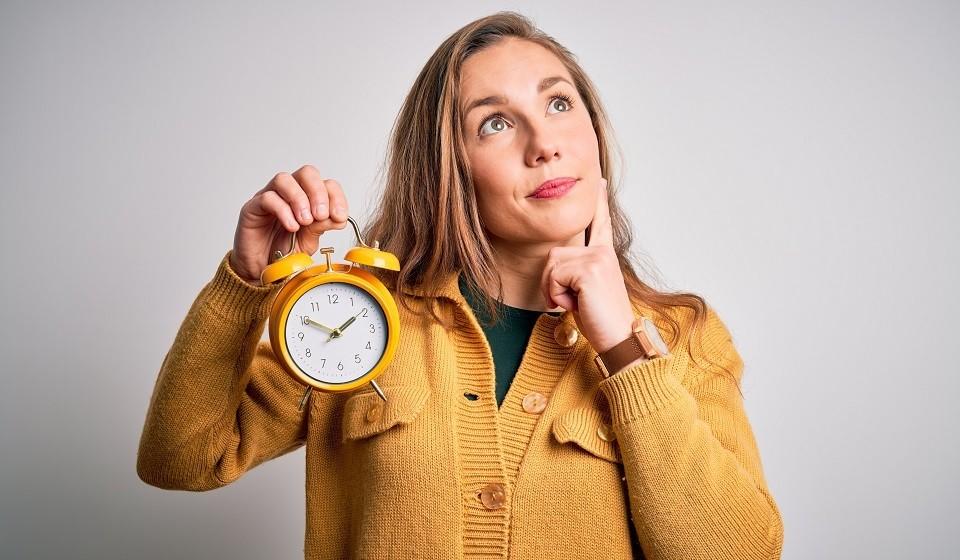«Вовремя» или «во время». Как правильно писать: слитно или раздельно