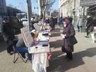 Продавцы мэрцишоров в центре Кишинева: торговли совсем нет - из-за пандемии у людей нет денег!