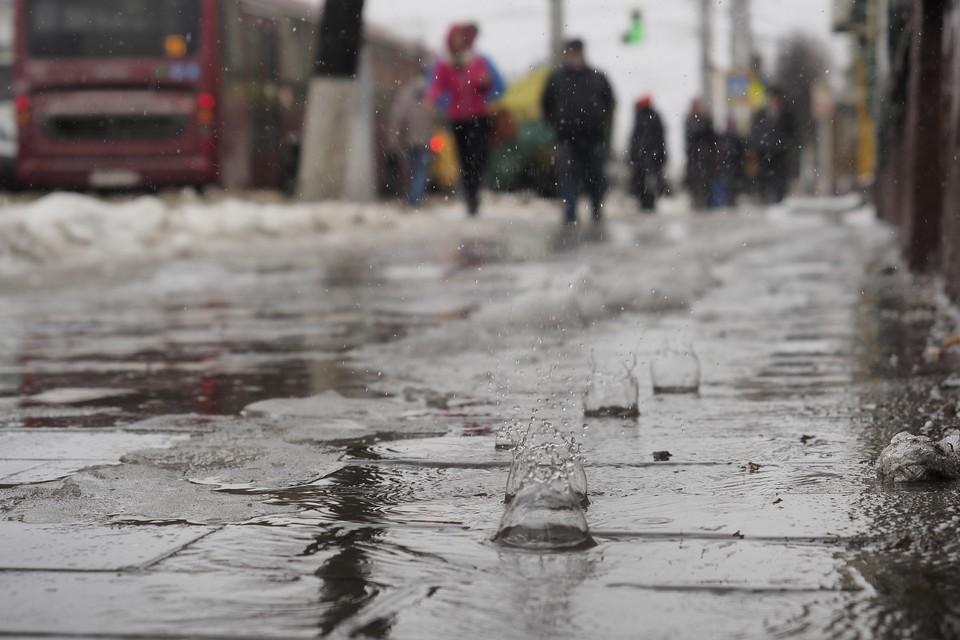 Улицы Москвы затопило после резкого потепления