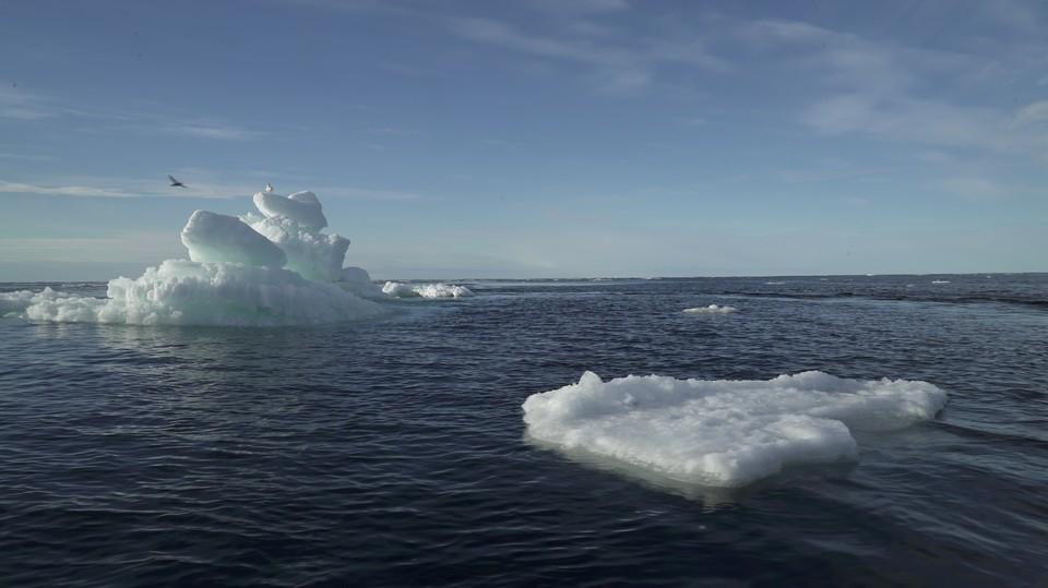 WSJ: США и Канада обновят систему спутников для борьбы с Россией в Арктике