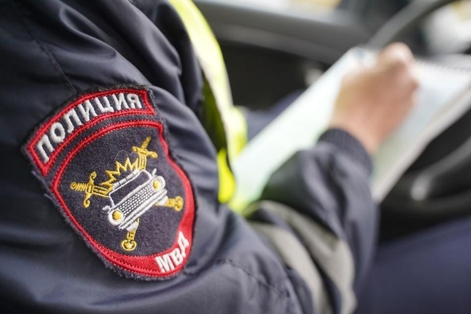 Полицейские и следователи выясняют подробности криминальной драмы.