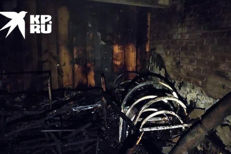 В Тверской области ночью на пожаре в психоневрологическом интернате погибло две женщины.