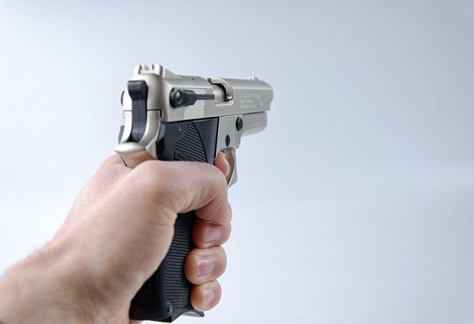 Как выяснило следствие, перед стрельбой преступник подрался с охранником. Фото: pixabay.com
