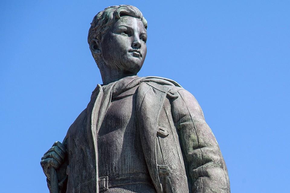 Памятник герою Советского Союза Зое Космодемьянской в Тамбове. Фото: Zuma/TACC