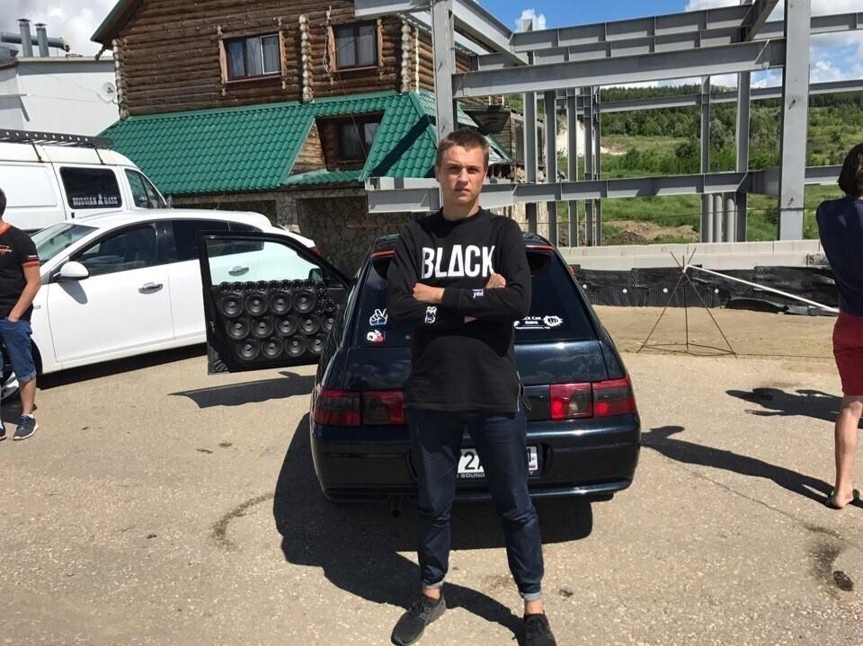За рулем был 22-летний Егор, который увлекался тюнингом автомобилей Фото: соцсети