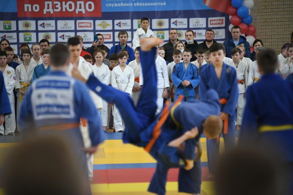 Турнир по дзюдо в Карабаше собрал более тысячи юных спортсменов.