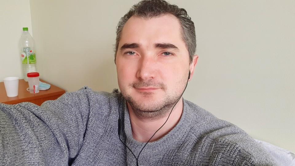 Наш корреспондент Николай Мишкой на больничной койке.