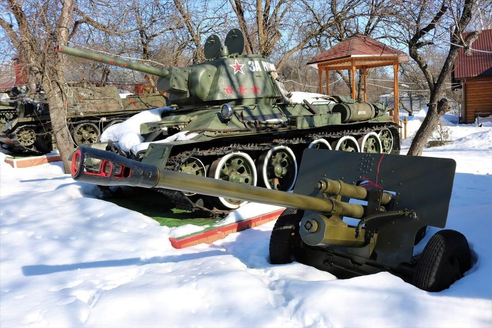 Александр Фролов отдает танки из частного музея в добрые руки