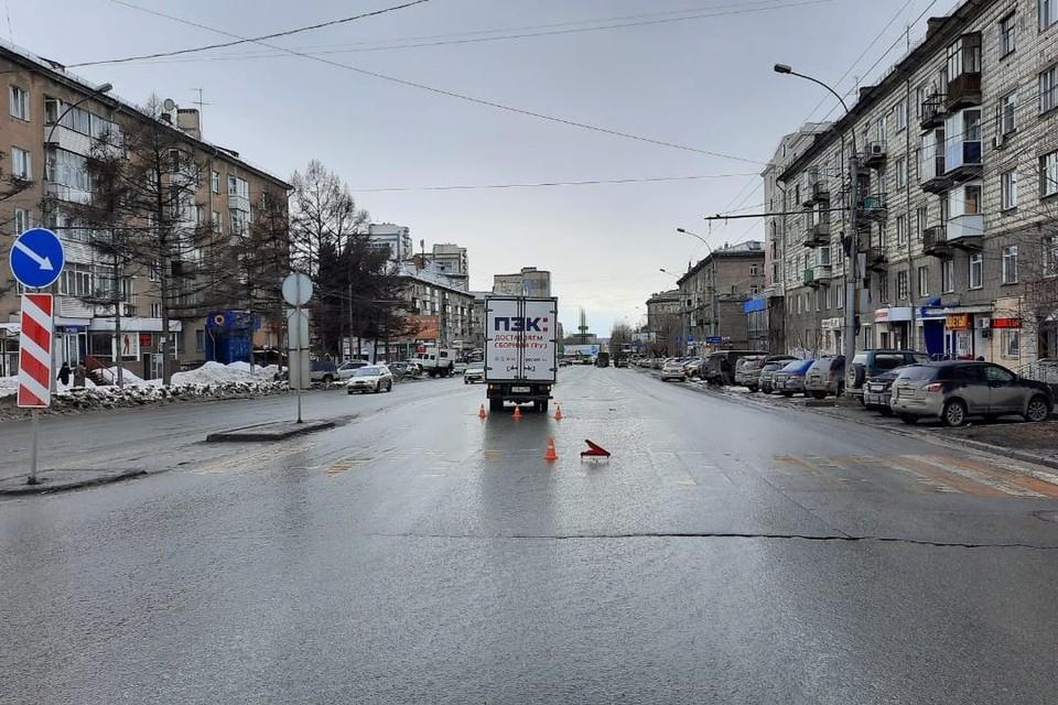 В Новосибирске грузовик сбил 13-летнюю девочку. Фото: Госавтоинспекции по Новосибирску