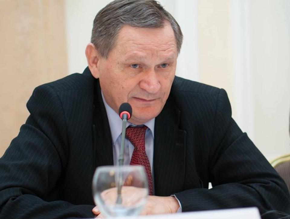 Бывший первый вице-премьер-министр Александр Муравский считает, что страна скатывается к полному маразму государственного управления. Фото:соцсети