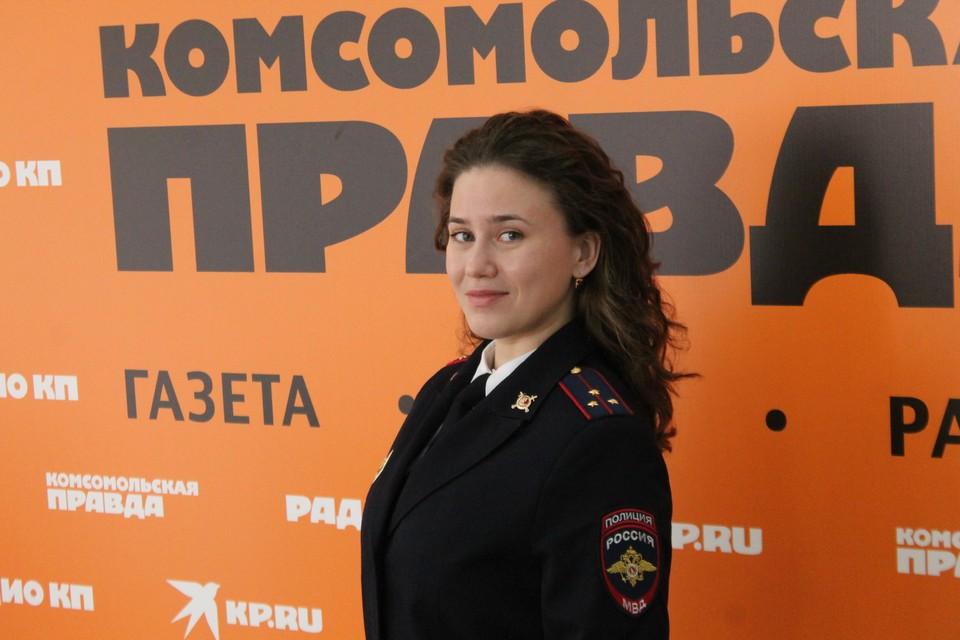 Победительница конкурса работает инспектором в ГИБДД Ейского района.