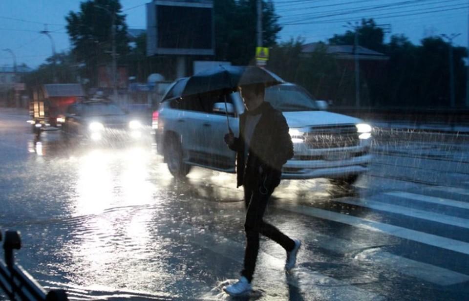 «Сменится мокрым снегом»: Узнали, сколько продлится дождь в Нижнем Новгороде.