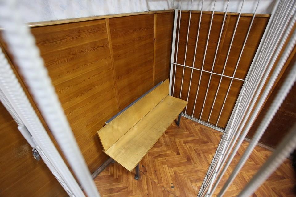 Сотрудник курьерской компании отправится под суд во Владивостоке