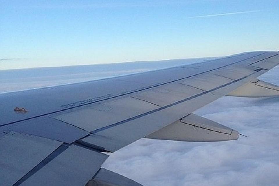 Самолет вырабатывает в воздухе все топливо, чтобы посадка была максимально безопасной
