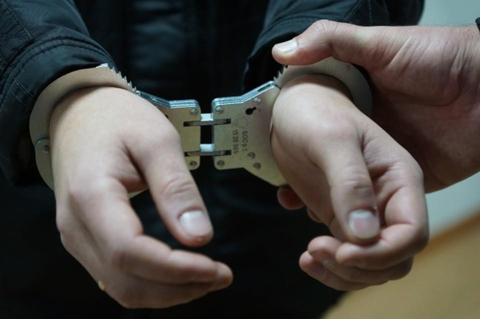Полиция задержала во Владивостоке мужчину, ударившего ножом 65-летнюю женщину