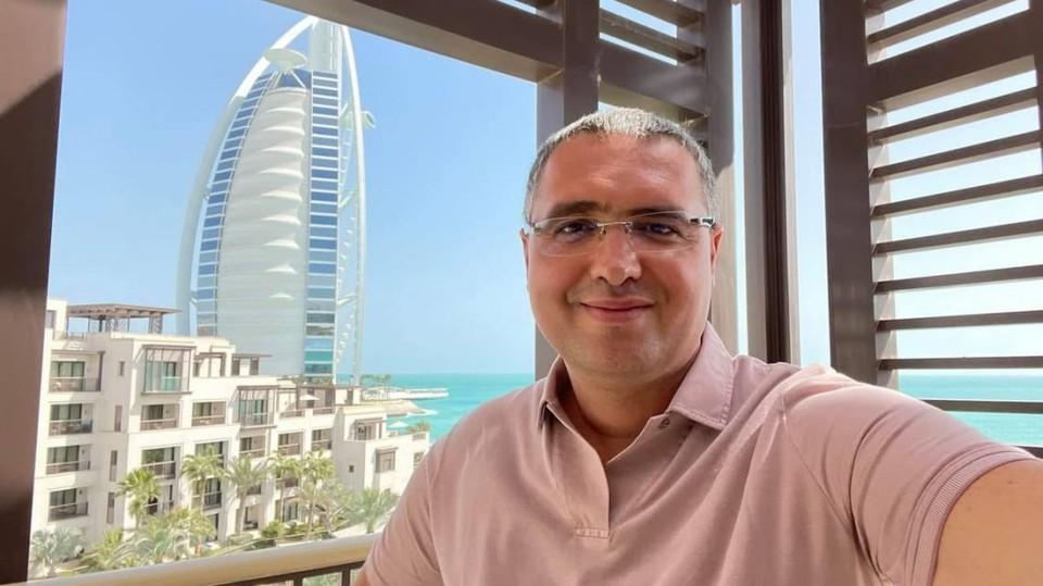 Мэр Бель Ренато Усатый, получивший от интернет-пользователей кличку «Путешественник», отправился сегодня в Дубай. Фото: evenimentul.md