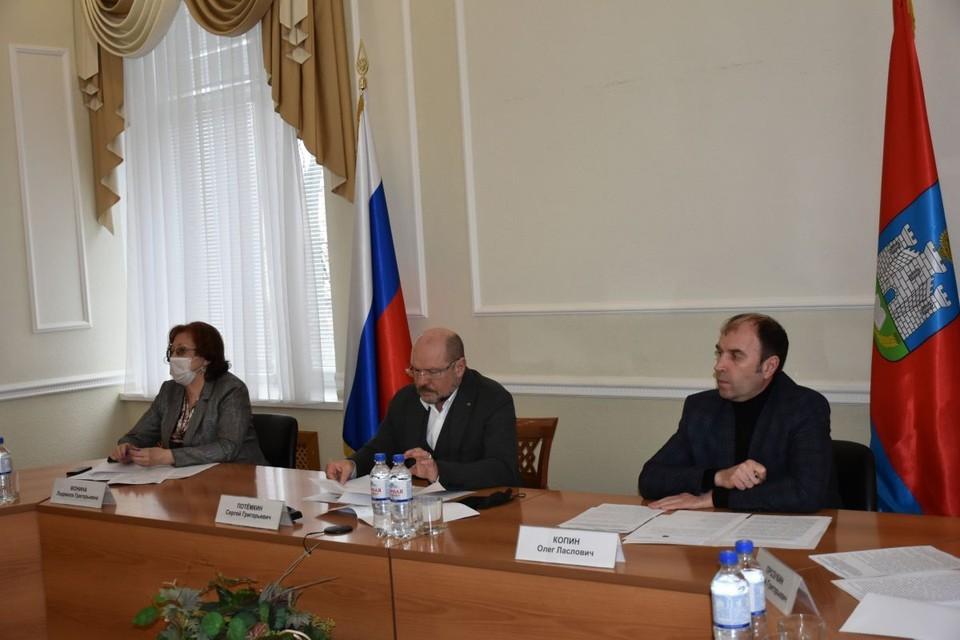 В Орловской области хотят ужесточить правила работы «наливаек» в жилых домах. Фото: пресс-служба облсовета
