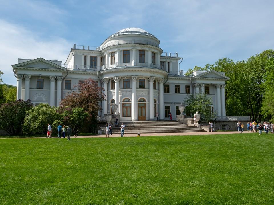 Елагин дворец в Петербурге откроется после реставрации 13 апреля