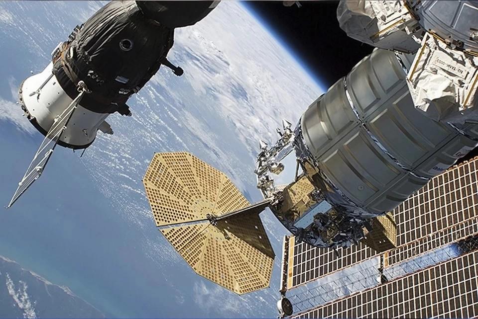 Три космонавта вернулись с МКС на корабле «Союз МС-17»