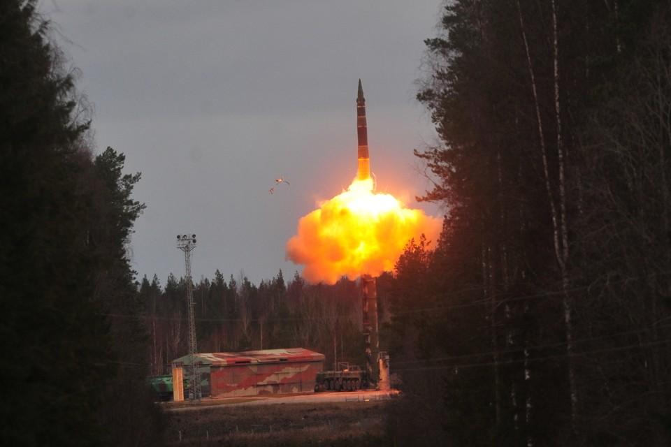 Украинцы мечтают вновь заполучить ракеты с ядерными зарядами